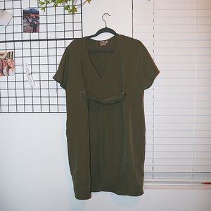 never worn, green dress with tie